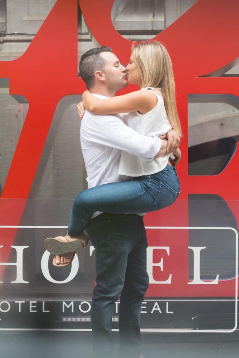 love montreal lhotel proposal engaged engagement shoot photoshoot old port jewish picturesque beautiful photo